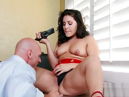 Hot unlit Gracie Glam fucked by Johnny Sins at office