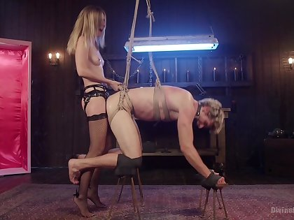 Exquisite anal and femdom by means of a unrestrained BDSM cam play the part