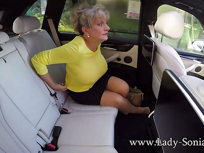 Big Milf Tits On Show Helter-skelter The Car - LadySonia