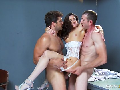 Sex on the table with slut India Summer and two horny dudes