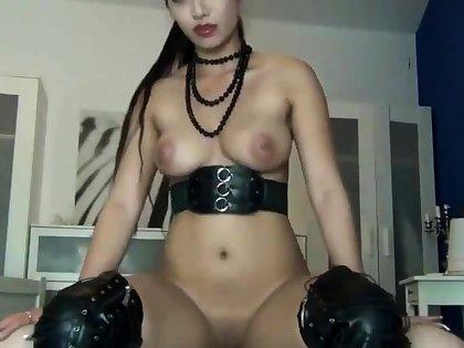 Sexbombe Tyra Pussy Creampie