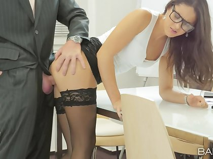Office babe Carolina Abril makes transmitted to finest of her work day