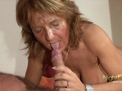 Old mature grandma involving Big knockers milking cum from her economize on