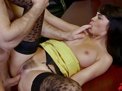 Big butt brunette Ava Dalush enjoys getting fucked in the slot